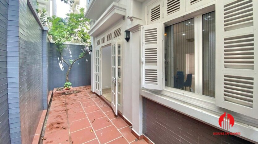 well renovated villa for rent in ciputra t block 6