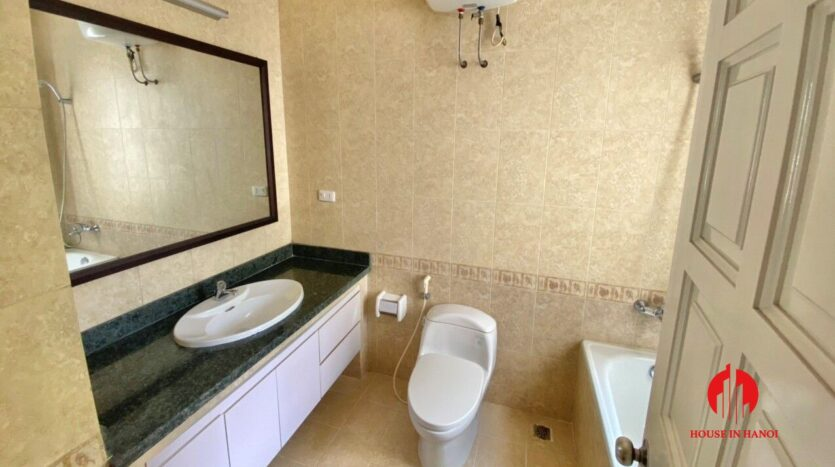 well renovated villa for rent in ciputra t block 9