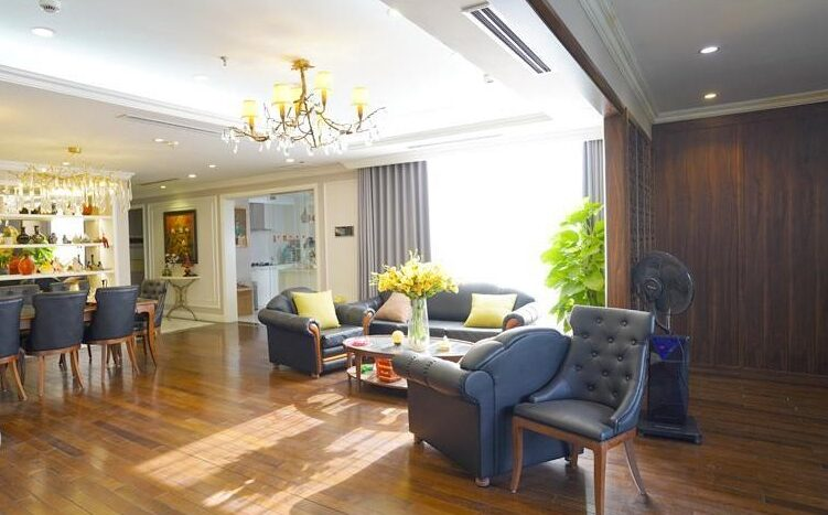 big apartment for rent in ba dinh 1