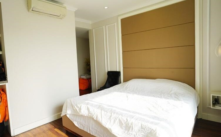 big apartment for rent in ba dinh 10