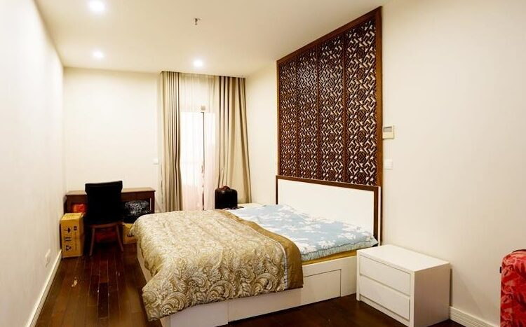 big apartment for rent in ba dinh 18