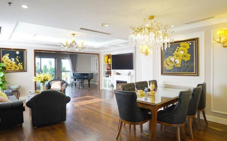 big apartment for rent in ba dinh 3