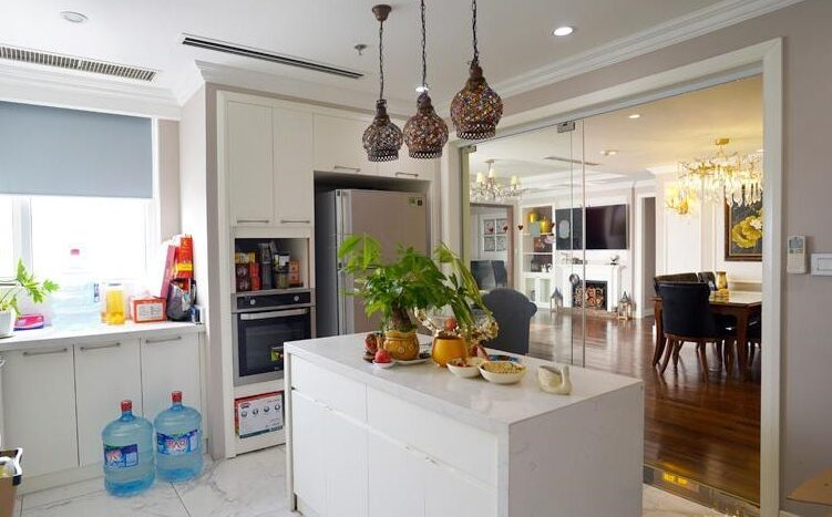 big apartment for rent in ba dinh 4