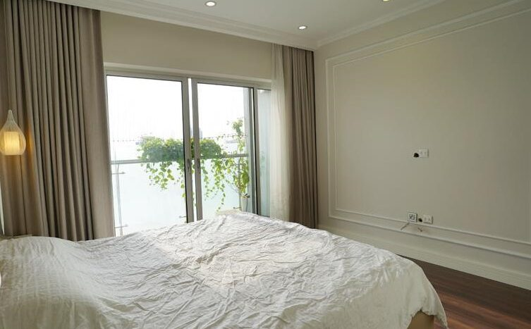 big apartment for rent in ba dinh 8