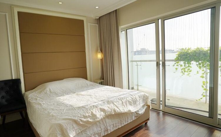 big apartment for rent in ba dinh 9