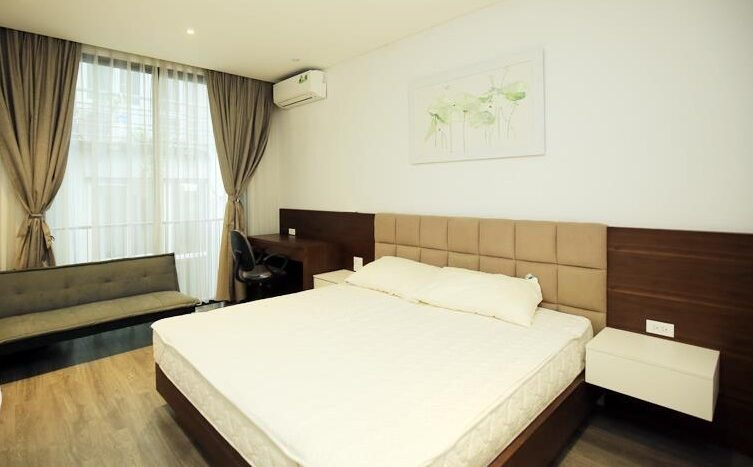 lake view 2 bedroom apartment on quang khanh 10