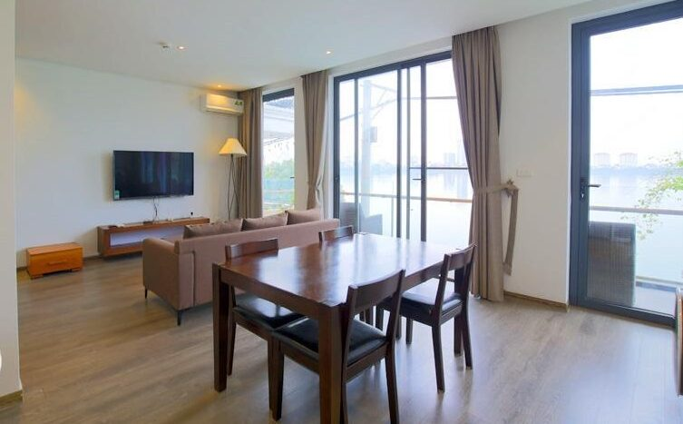 lake view 2 bedroom apartment on quang khanh 16