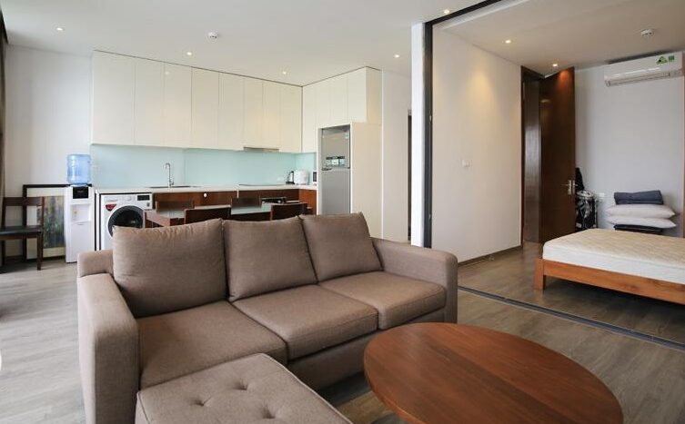 lake view 2 bedroom apartment on quang khanh 18