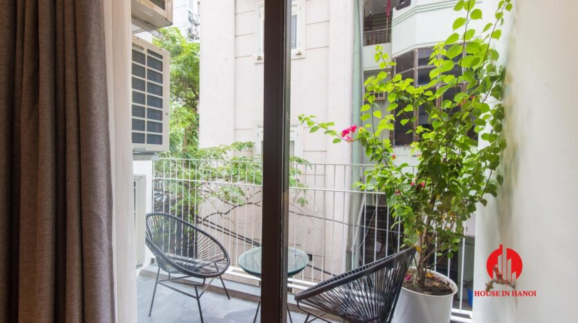 zen style apartment on linh lang ba dinh 16