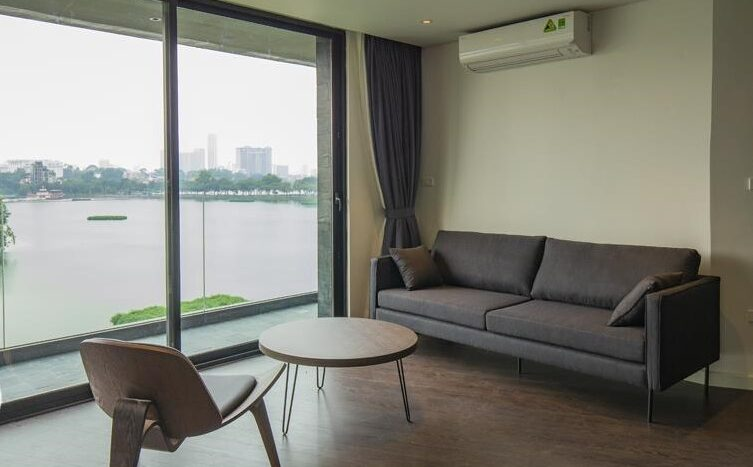 excellent lake view apartment in truc bach 11