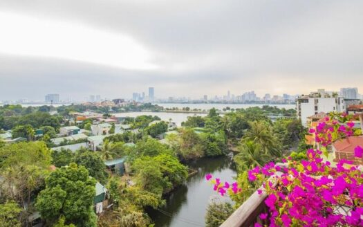 lake view top floor apartment on xom chua dang thai mai 7