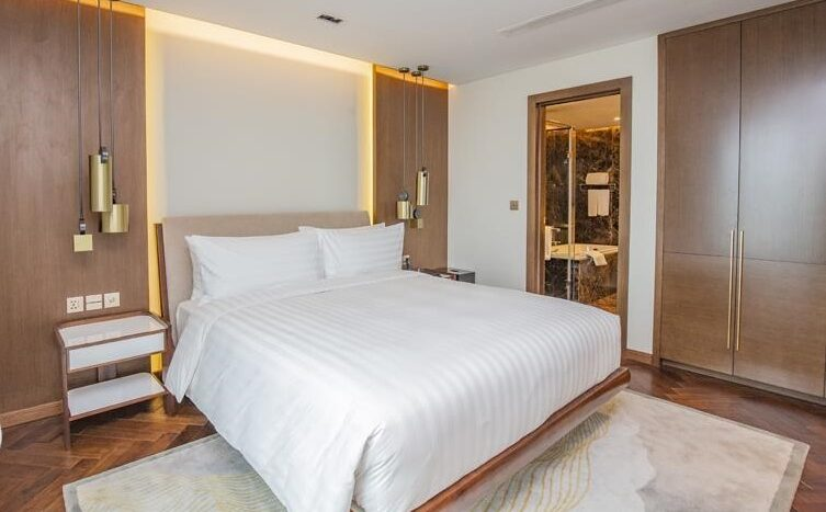penthouse for rent in quang an tay ho westlake 12