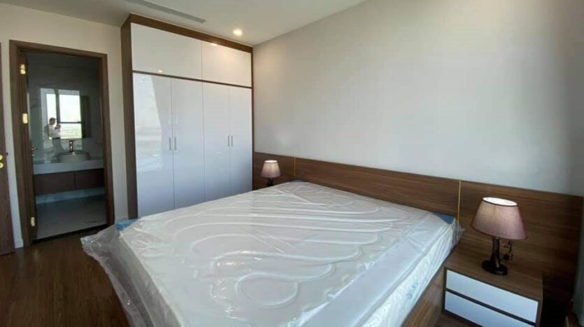 cheap lake view 2 bedroom apartment in sunshine city 3