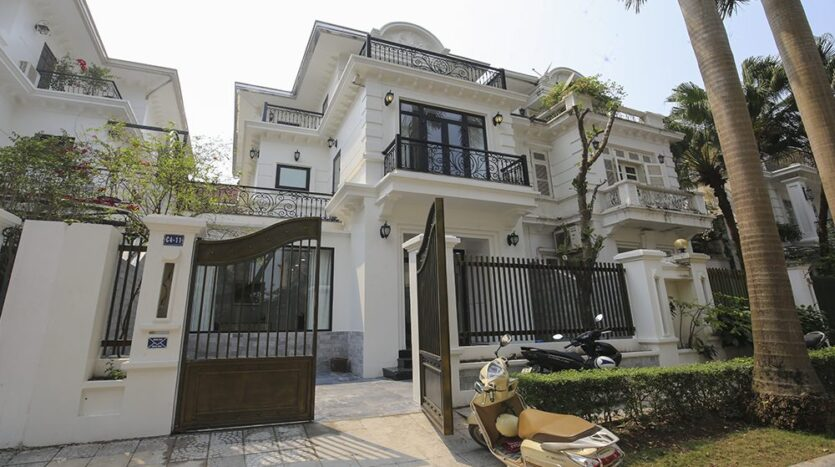 new villa for rent in c4 ciputra near sis 7