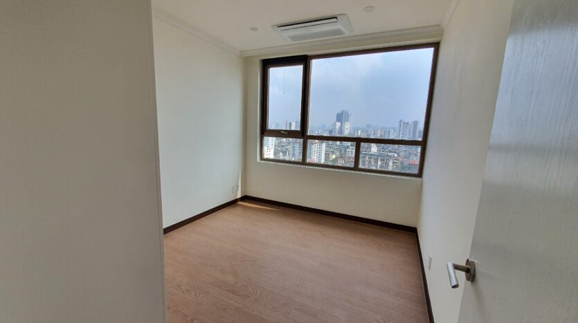 excellent 3 bedroom apartment for rent in starlake 3