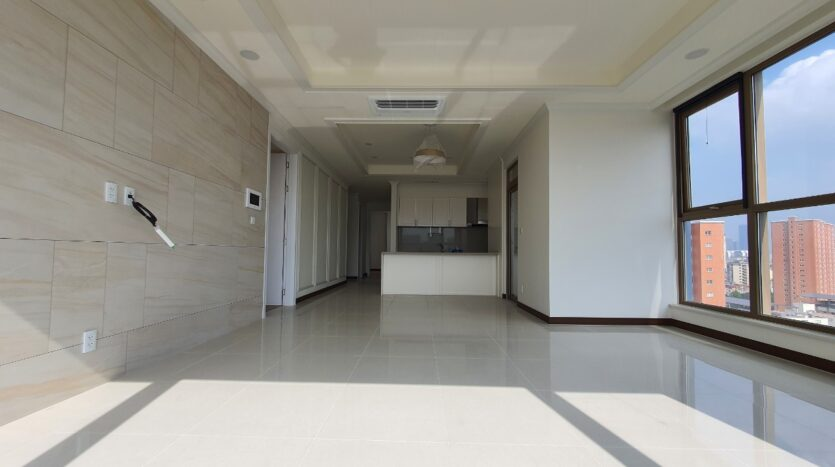 excellent 3 bedroom apartment for rent in starlake 5