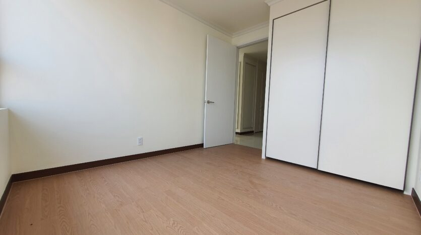 excellent 3 bedroom apartment for rent in starlake 6