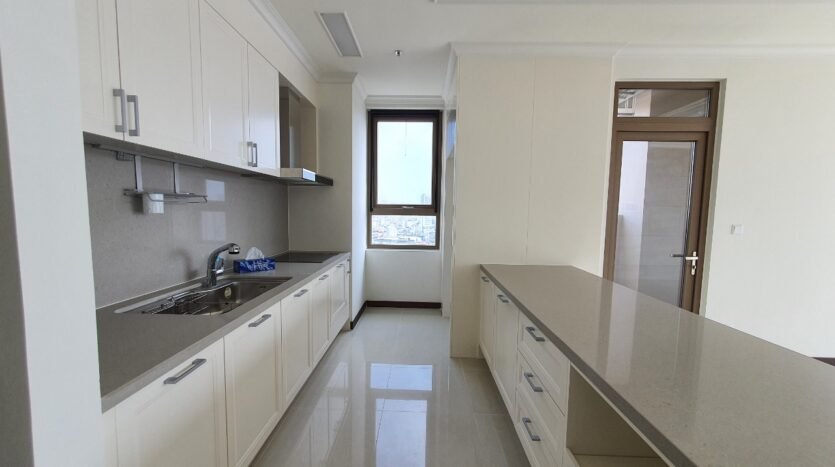 excellent 3 bedroom apartment for rent in starlake 9