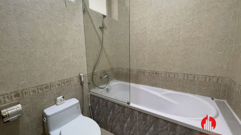 well maintained villa in ciputra 10