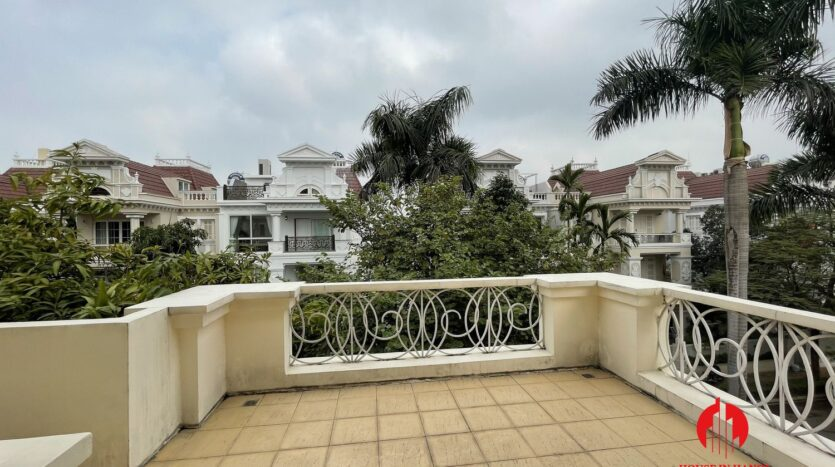 well maintained villa in ciputra 28