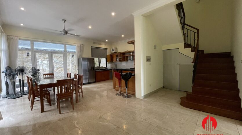 well maintained villa in ciputra 8