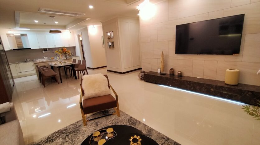 Luxurious 4BR Apartment in Starlake Urban City for rent 15