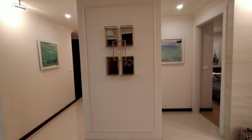Luxurious 4BR Apartment in Starlake Urban City for rent 19