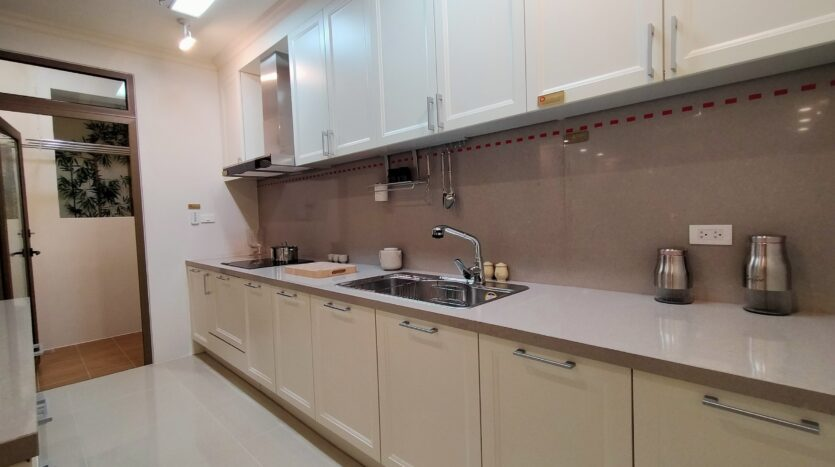 Luxurious 4BR Apartment in Starlake Urban City for rent 2