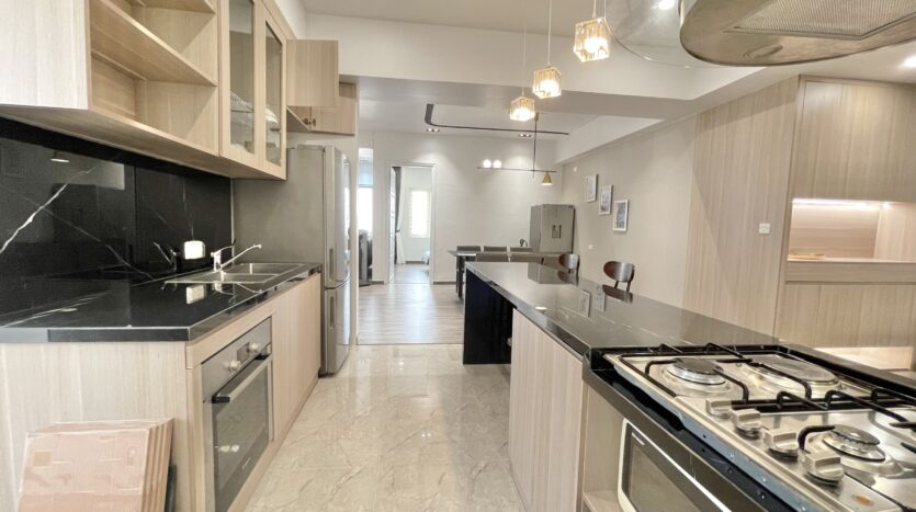 Sparling 3BRs Apartment for Rent with West lake view near Vo Chi Cong street 10