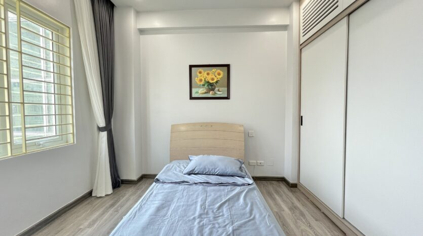 Sparling 3BRs Apartment for Rent with West lake view near Vo Chi Cong street 16