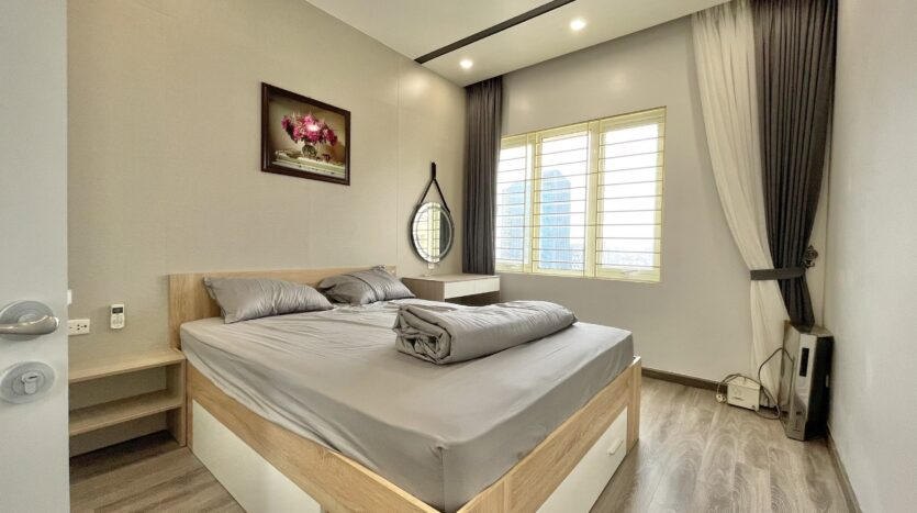Sparling 3BRs Apartment for Rent with West lake view near Vo Chi Cong street 20