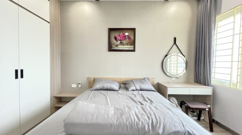 Sparling 3BRs Apartment for Rent with West lake view near Vo Chi Cong street 26
