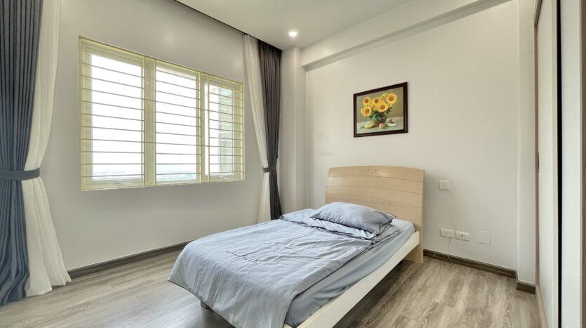Sparling 3BRs Apartment for Rent with West lake view near Vo Chi Cong street 9