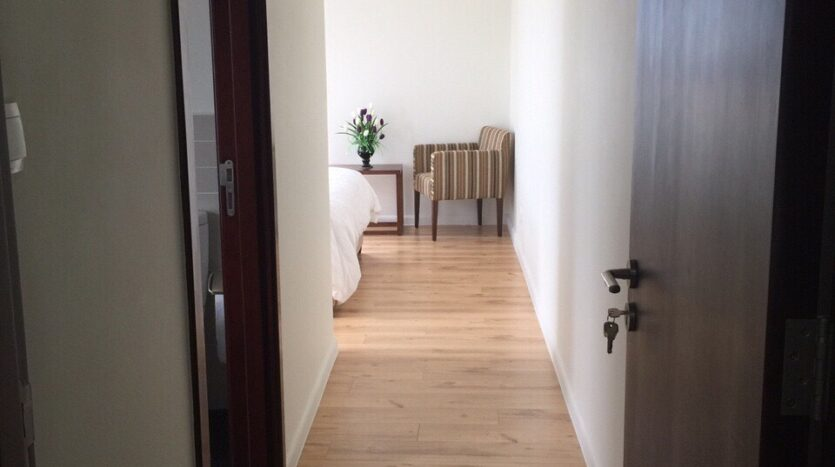 Captivating 2BRs Apartment for Rent in Lac Long Quan Street 4