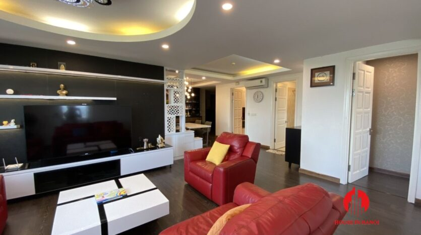 renovated 154m2 3 bedroom apartment in e1 ciputra 10