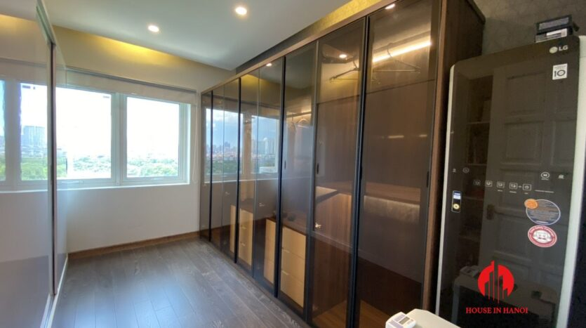 renovated 154m2 3 bedroom apartment in e1 ciputra 3
