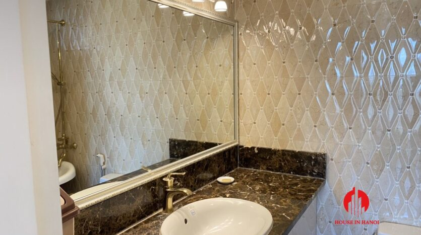 renovated 154m2 3 bedroom apartment in e1 ciputra 6