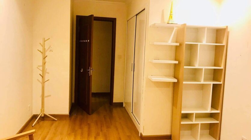 Lovely Full Furnished 3BRs for Rent in Nguyen Chi Thanh street 10