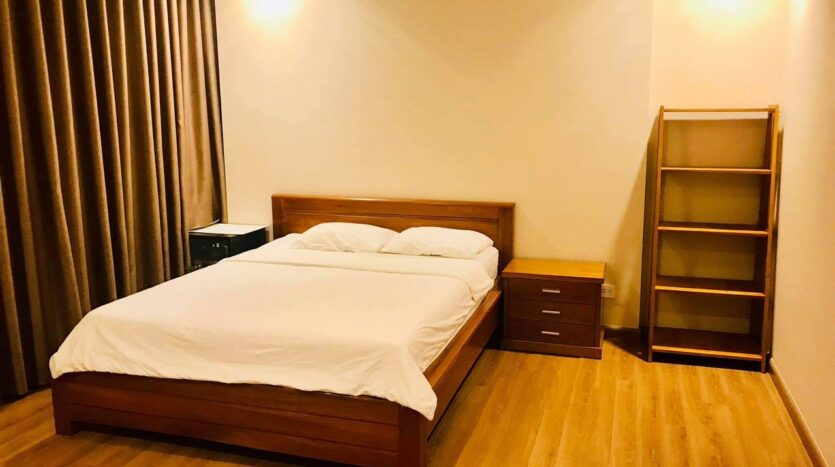 Lovely Full Furnished 3BRs for Rent in Nguyen Chi Thanh street 11