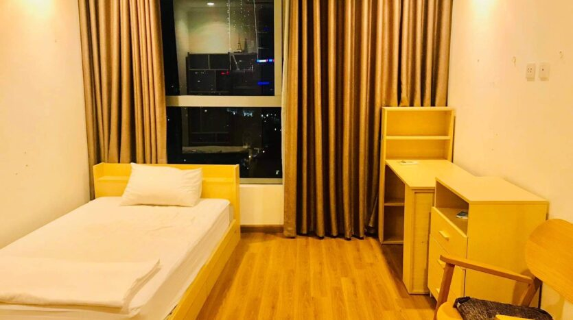 Lovely Full Furnished 3BRs for Rent in Nguyen Chi Thanh street 13
