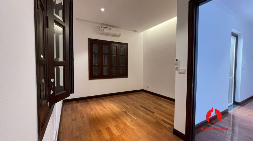 Nicely renovated villa in T7 Ciputra 11