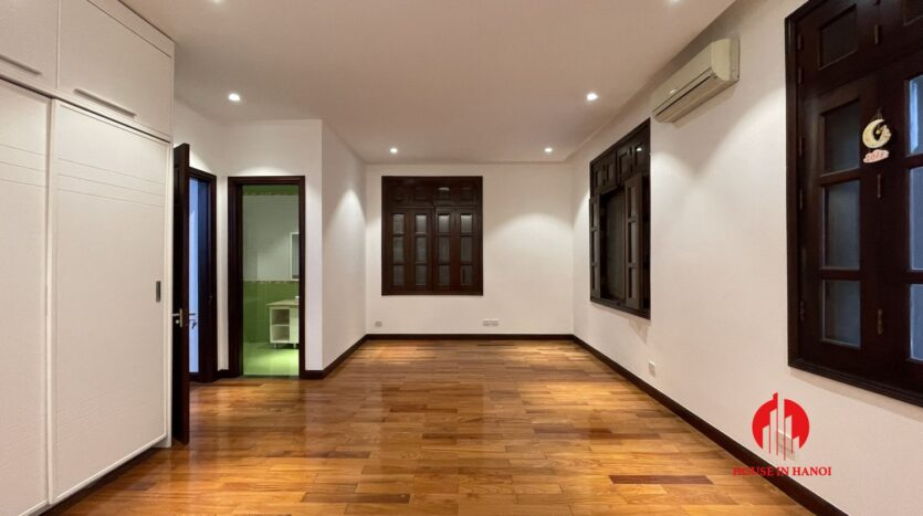 Nicely renovated villa in T7 Ciputra 16