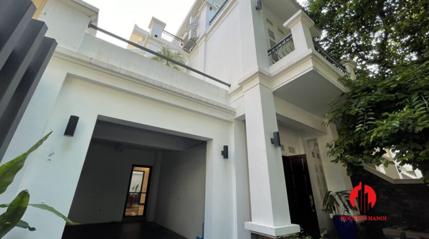 Nicely renovated villa in T7 Ciputra 24