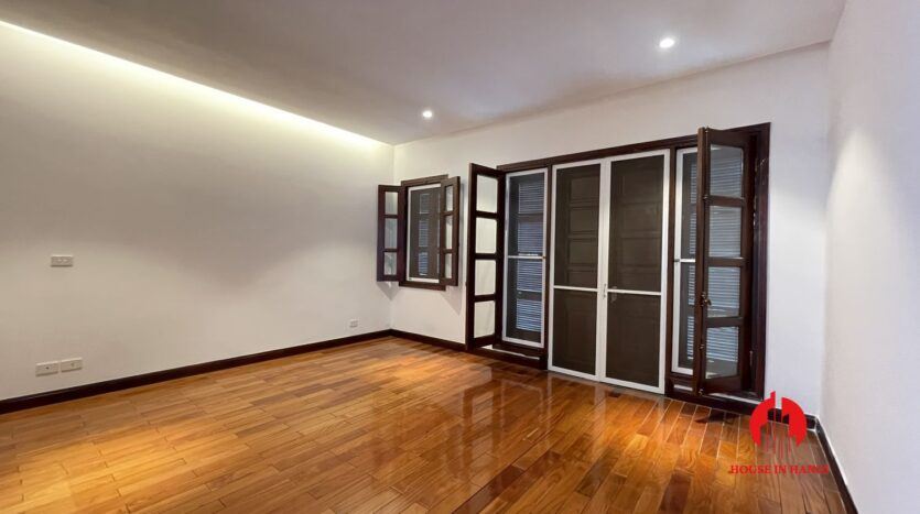 Nicely renovated villa in T7 Ciputra 3