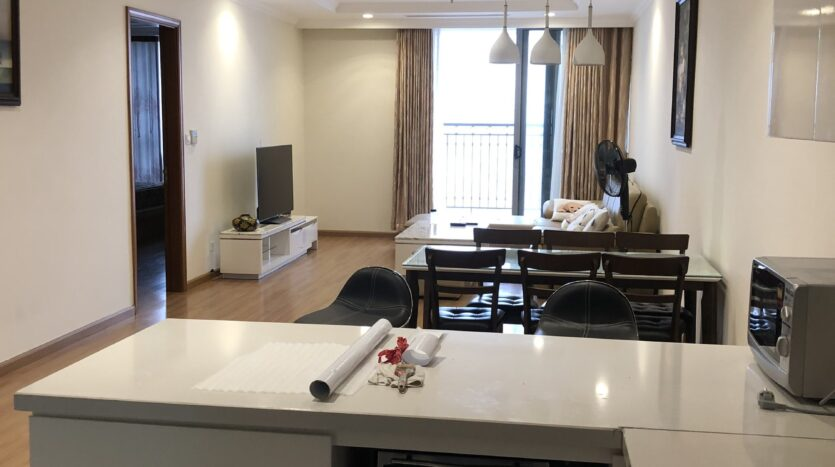 Warmish Apartment with 3 Bedrooms for rent in Vinhomes Nguyen Chi Thanh 6