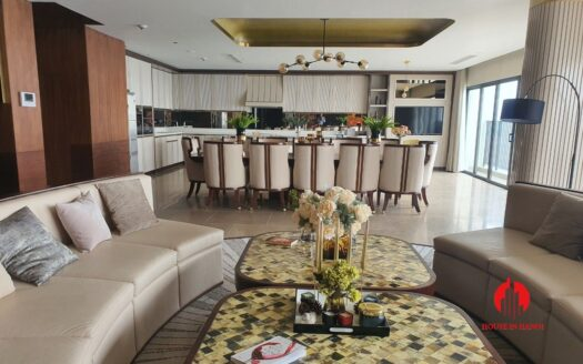 gorgeous penthouse for rent in kosmo tay ho 3